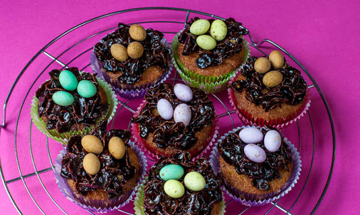 Sticky chocolate Easter nest cupcake recipe (with Stork) #sp http://ow.ly/L8Opk